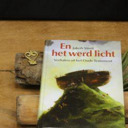 Boek_En het werd licht